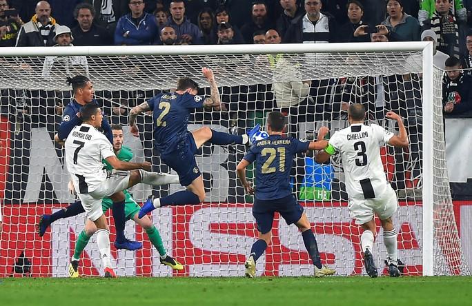 Tử chiến ở Turin, Man United ngược dòng đánh bại Juventus - Ảnh 2.