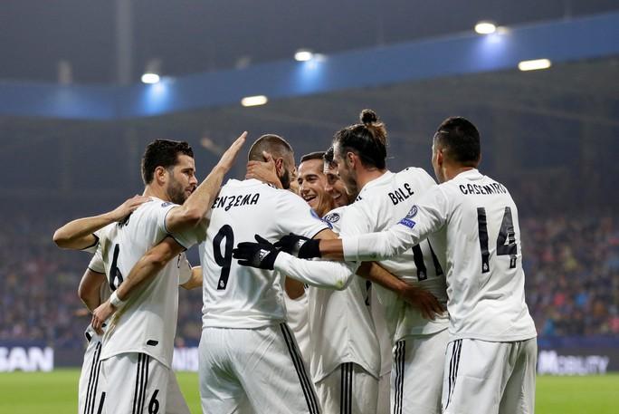 Xem Man City vùi dập Shakhtar, Real Madrid mở đại tiệc trên đất Czech - Ảnh 10.