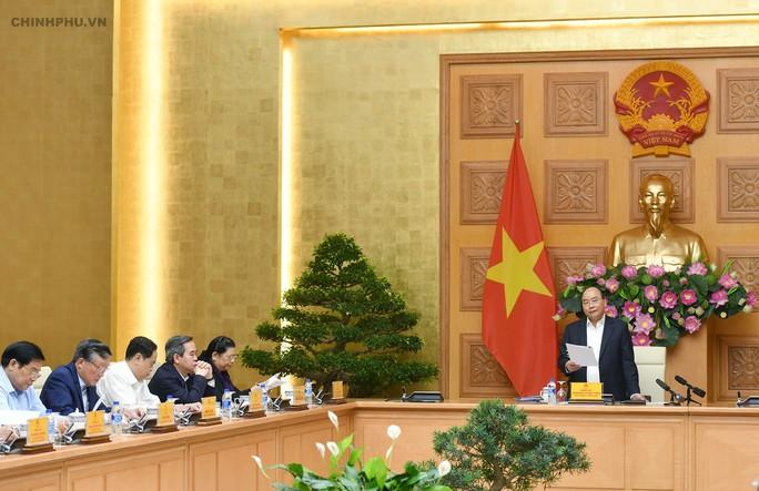 Thủ tướng chủ trì họp phiên đầu tiên Tiểu ban Kinh tế - Xã hội của Đại hội XIII - Ảnh 2.