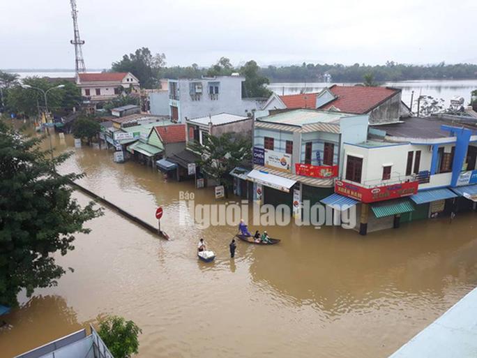 Quảng Nam: Mưa lũ gây chết người, thủy điện vẫn thiếu cả tỉ khối nước - Ảnh 2.