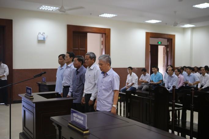Phúc thẩm, cựu Phó Thống đốc Ngân hàng Nhà nước được hưởng án treo - Ảnh 1.