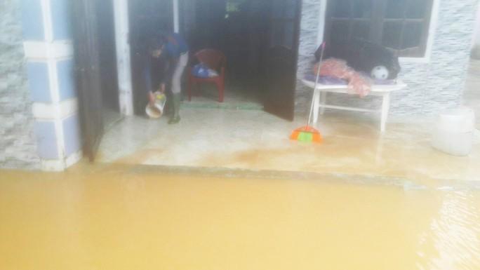 Đà Nẵng: Hòa Liên đang bị ngập sâu hơn 1 m - Ảnh 7.