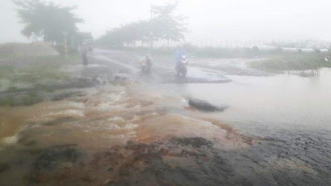 Đà Nẵng: Hòa Liên đang bị ngập sâu hơn 1 m - Ảnh 8.