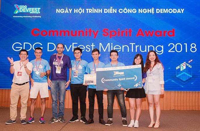 Sinh viên Duy Tân vô địch cuộc thi GDG Devfest 2018 - Ảnh 2.