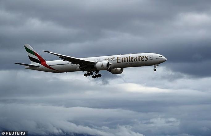 Sự thật đằng sau chiếc Boeing 777 dát kim cương - Ảnh 2.