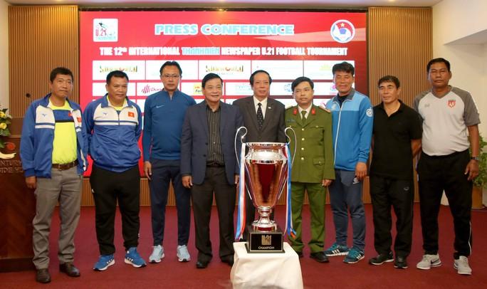 HLV tuyển trẻ Hàn Quốc tin Việt Nam sẽ vô địch AFF Cup 2018 - Ảnh 1.