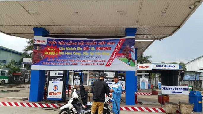 Một cây xăng miễn phí 50.000 đồng cho khách hàng tên Hải và Phượng  - Ảnh 1.