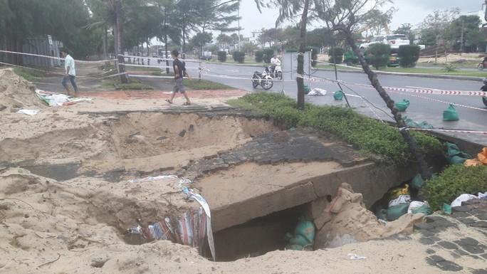 Hơn 3 km bờ biển Đà Nẵng tiếp tục sạt lở nặng - Ảnh 6.