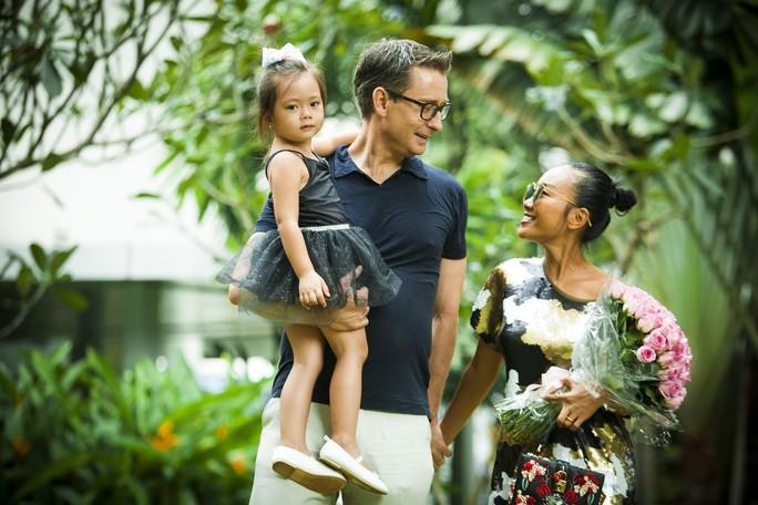 Nỗi lòng sao Việt lấy chồng Tây - Ảnh 7.