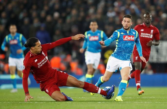 Salah cứu á quân Liverpool, Tottenham thoát hiểm Champions League - Ảnh 1.