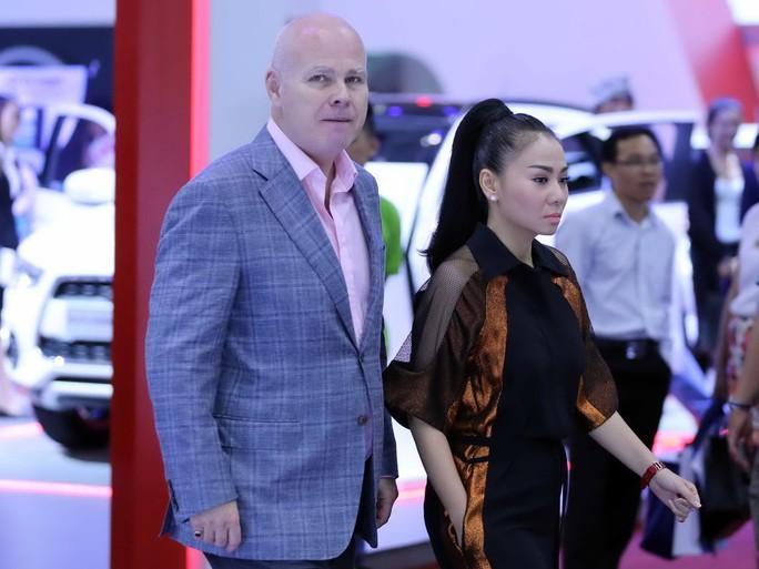 Nỗi lòng sao Việt lấy chồng Tây - Ảnh 4.
