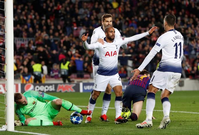 Salah cứu á quân Liverpool, Tottenham thoát hiểm Champions League - Ảnh 8.
