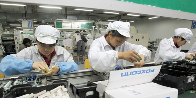 Nhà máy ráp iPhone có thể tháo chạy khỏi Trung Quốc - Ảnh 1.