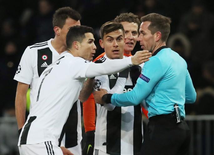 Ba đội bóng của Ronaldo thua liểng xiểng ở Champions League - Ảnh 3.