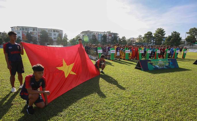 Tưng bừng ngày hội bóng đá nhí Việt - Nhật  - Ảnh 1.