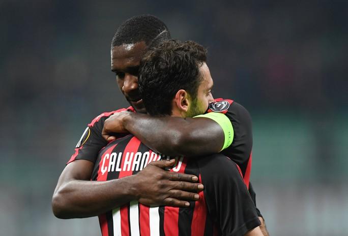 Cựu vương châu Âu AC Milan thua thảm ở Europa League - Ảnh 2.