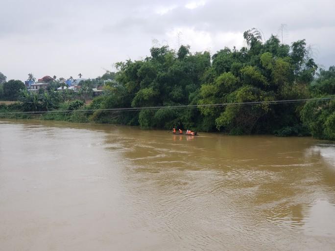 Quảng Nam: Tìm thấy thi thể người mất tích khi đánh cá trong lũ - Ảnh 1.