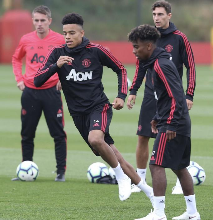 Lộ diện 4 nhân vật sẵn sàng thay thế Mourinho ở Man United - Ảnh 2.
