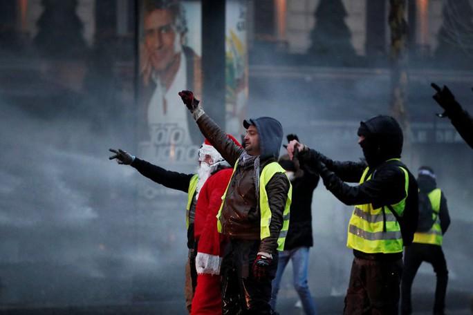 Pháp: Biểu tình áo ghi-lê vàng mất đà vì ...lạnh - Ảnh 1.