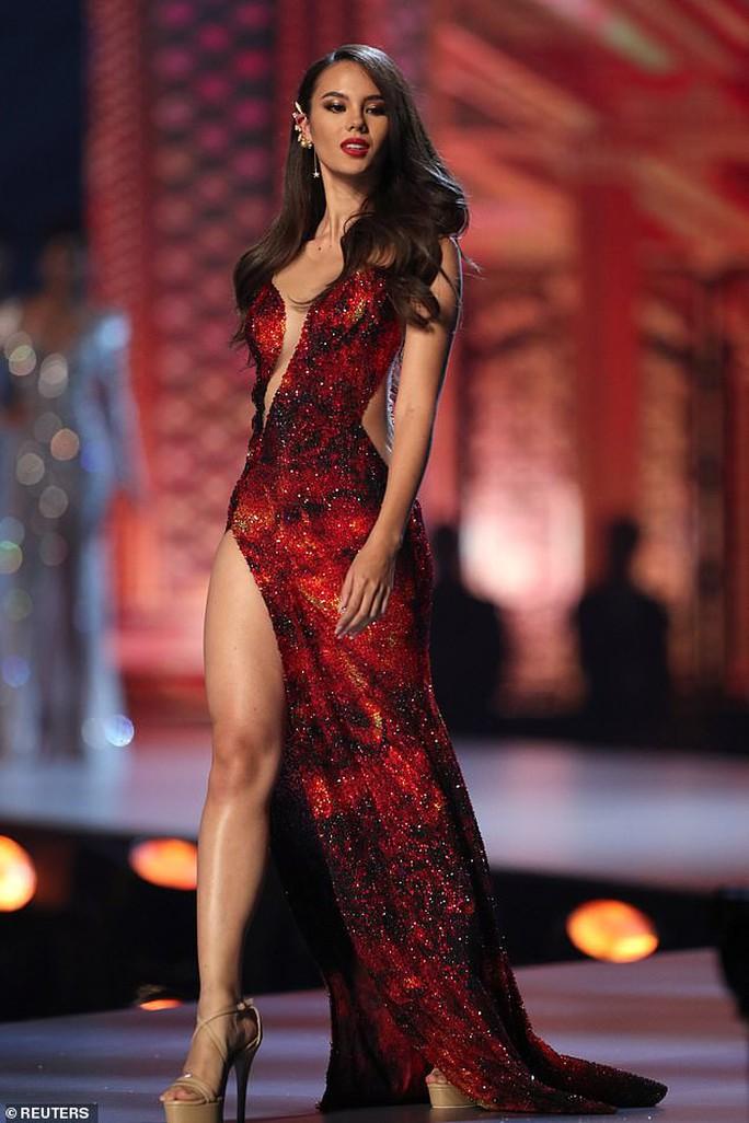 Cận cảnh nhan sắc tân Hoa hậu Hoàn vũ Thế giới - Ảnh 2.