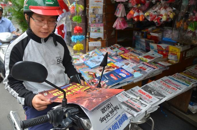 Độc giả thích thú với poster mừng Việt Nam vô địch AFF Cup - Ảnh 2.
