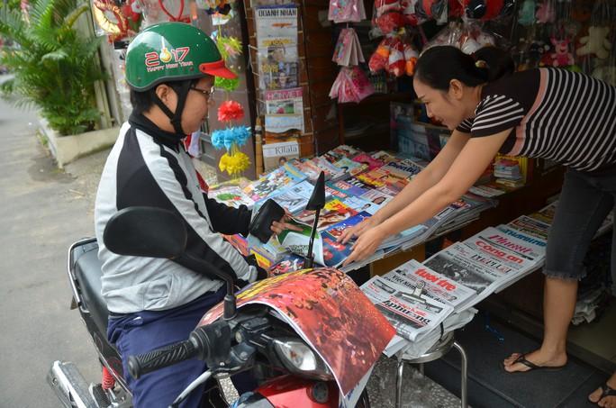 Độc giả thích thú với poster mừng Việt Nam vô địch AFF Cup - Ảnh 1.