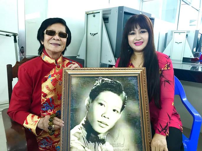 Danh ca Minh Cảnh ký thác điều gì ở triển lãm ảnh tuổi 82 - Ảnh 1.
