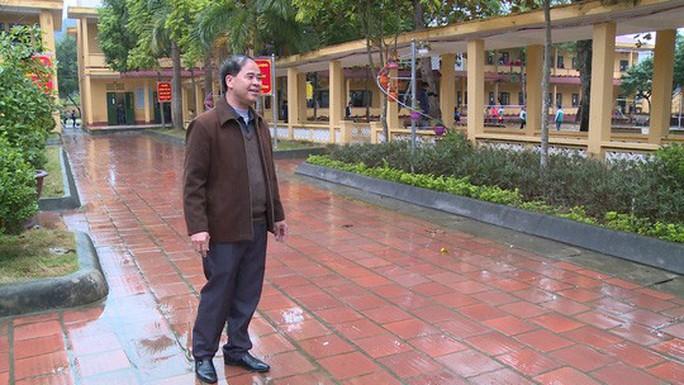 Bộ trưởng Phùng Xuân Nhạ lên tiếng về vụ hiệu trưởng nghi xâm hại nam sinh - Ảnh 2.