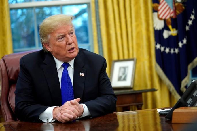 Chưa tổng thống Mỹ nào bị kiện tụng bủa vây nhiều như ông Trump - Ảnh 2.