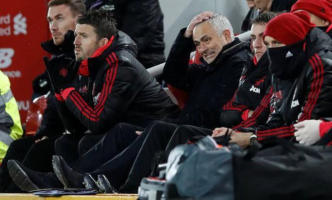 Sốc: Man United chính thức sa thải HLV Jose Mourinho - Ảnh 2.