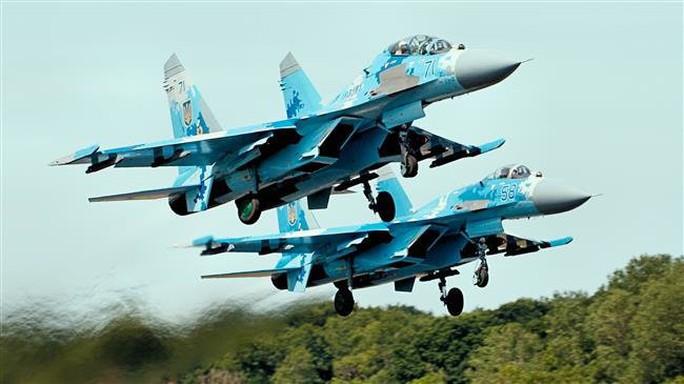 Nga triển khai vĩnh viễn nhiều máy bay chiến đấu đến Crimea - Ảnh 1.