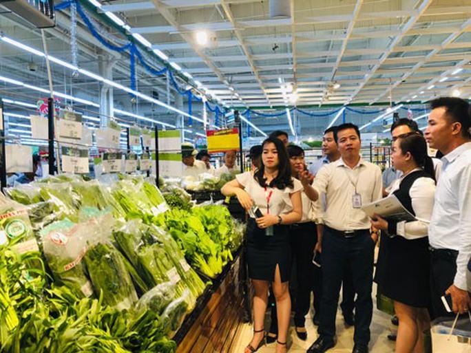 Nông dân bán hàng vào siêu thị được miễn chiết khấu, bao tiêu sản phẩm - Ảnh 1.