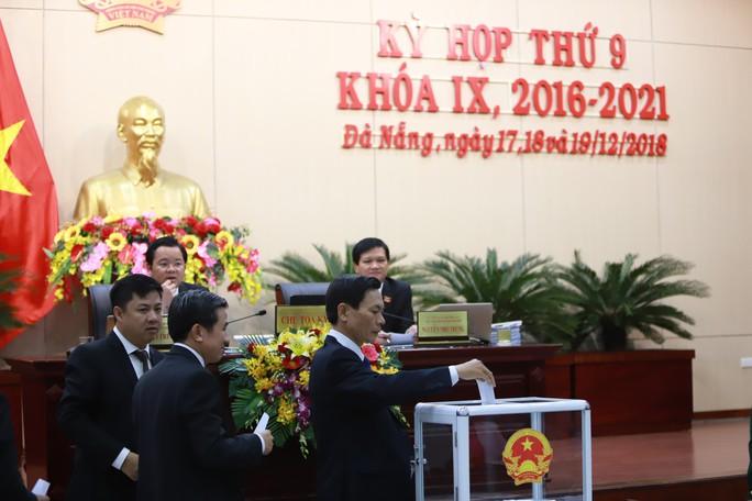 Ông Lê Trung Chinh được bầu giữ chức phó chủ tịch UBND TP Đà Nẵng - Ảnh 2.