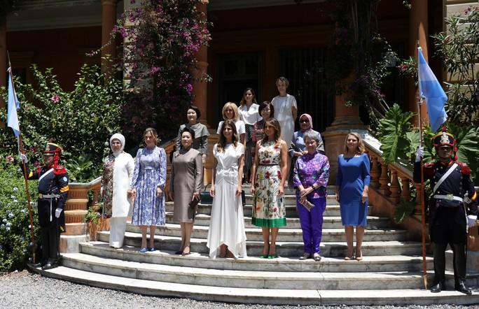 Đệ nhất phu nhân Mỹ-Trung đọ thời trang tại G20 - Ảnh 3.