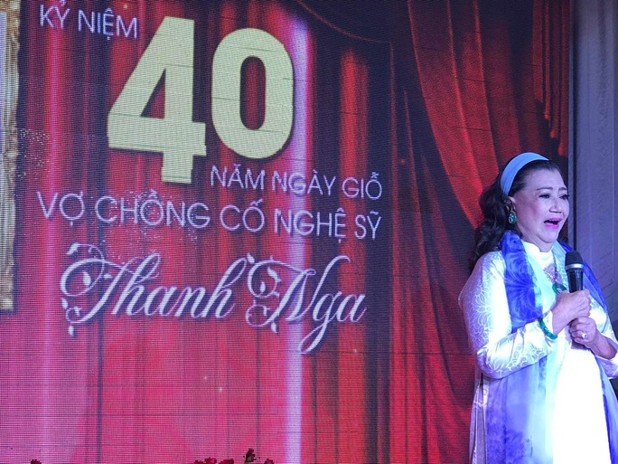Nhiều nghệ sĩ mang hoa hồng dự giỗ thứ 40 NSƯT Thanh Nga - Ảnh 1.