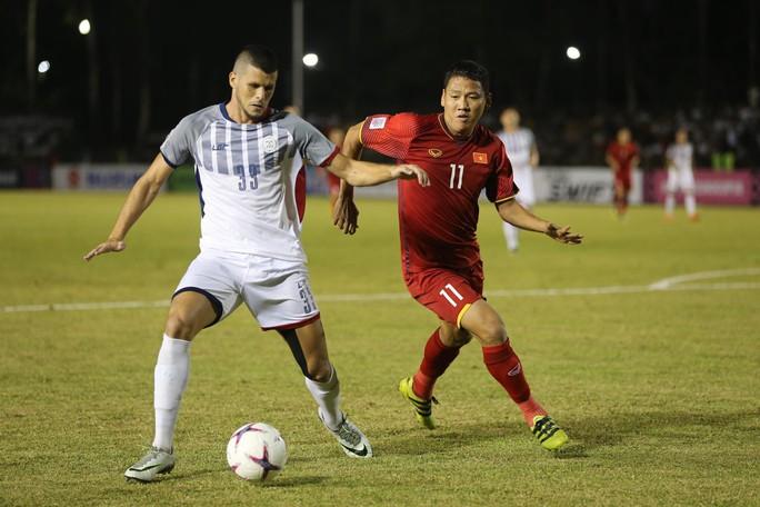 Clip: Thắng Philippines 2-1, tuyển Việt Nam vẫn tiếc nuối - Ảnh 8.