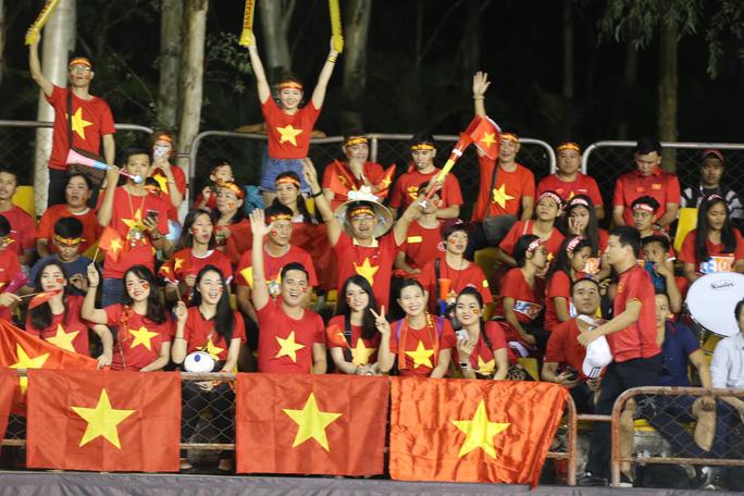 Clip: Thắng Philippines 2-1, tuyển Việt Nam vẫn tiếc nuối - Ảnh 14.