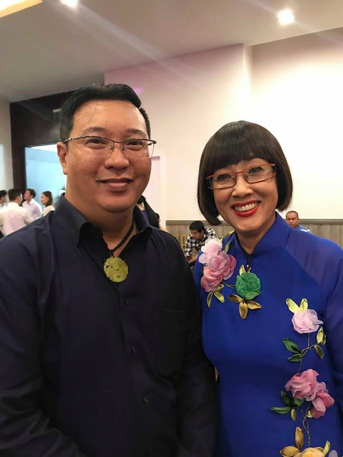 Nhiều nghệ sĩ mang hoa hồng dự giỗ thứ 40 NSƯT Thanh Nga - Ảnh 6.