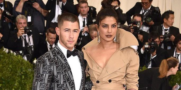 Đám cưới lung linh của cựu Hoa hậu Thế giới và phi công Nick Jonas - Ảnh 4.