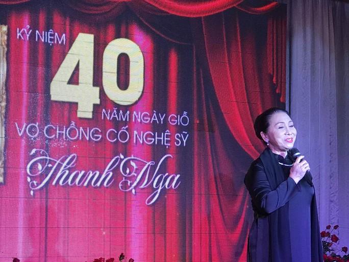 Nhiều nghệ sĩ mang hoa hồng dự giỗ thứ 40 NSƯT Thanh Nga - Ảnh 2.