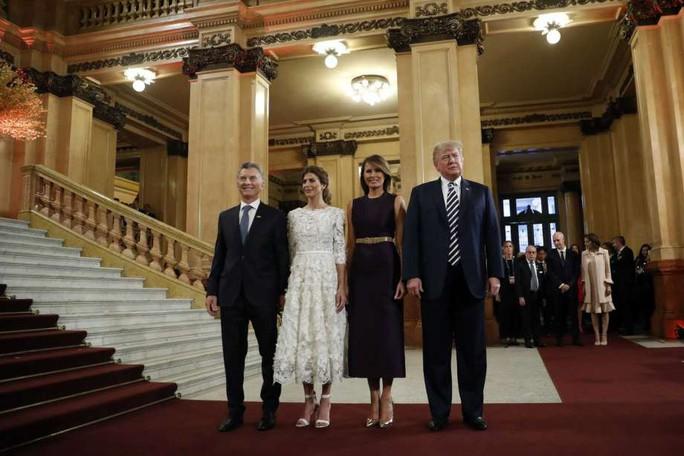 Đệ nhất phu nhân Mỹ-Trung đọ thời trang tại G20 - Ảnh 4.