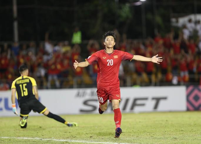 Clip: Thắng Philippines 2-1, tuyển Việt Nam vẫn tiếc nuối - Ảnh 3.