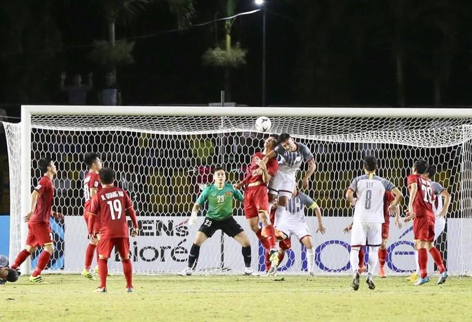 Clip: Thắng Philippines 2-1, tuyển Việt Nam vẫn tiếc nuối - Ảnh 5.