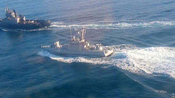 Bão tố trên biển Đen - Ảnh 1.