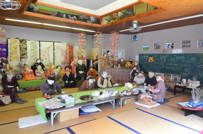"""""""Rùng mình"""" với ngôi làng làm búp bê thế chỗ người chết ở Nhật - Ảnh 1."""