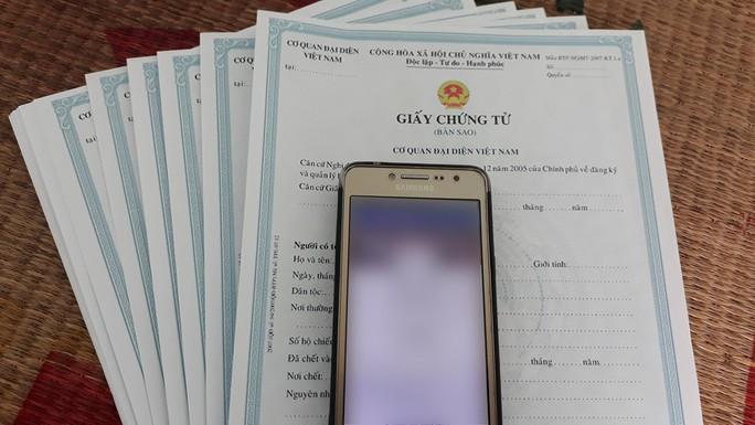 Đánh sập Facebook cá nhân bằng giấy chứng tử tại Việt Nam - Ảnh 2.