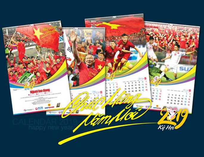 Báo Người Lao Động phát hành bộ lịch Mừng chiến thắng AFF Cup 2018 - Ảnh 1.