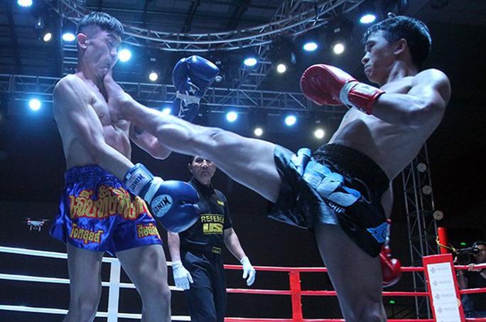 Nguyễn Trần Duy Nhất đoạt đai vô địch từ võ sĩ Thái Lan  - Ảnh 3.