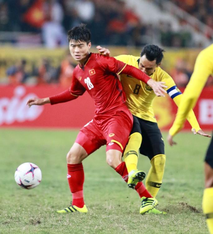 Những chiến binh làm nên vinh quang AFF Cup: Từ cậu bé nhặt bóng thành nhà vô địch - Ảnh 1.