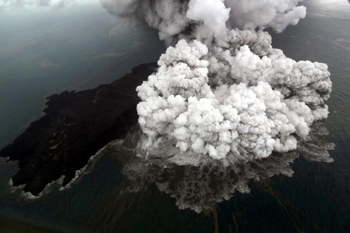 Indonesia: Sau sóng thần chớp nhoáng là động đất và thảm họa lơ lửng - Ảnh 3.